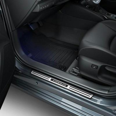 Алюмінієві накладки на пороги для Corolla