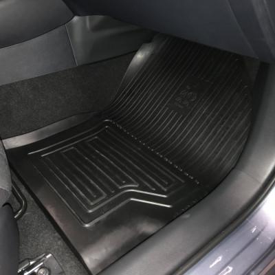Килимки в салон для Corolla
