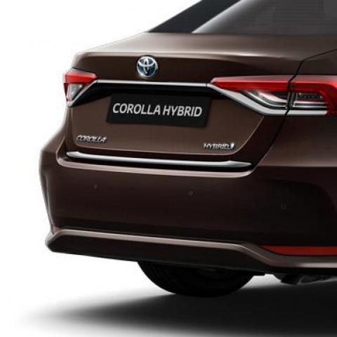 Задній хромований молдинг для Toyota Corolla