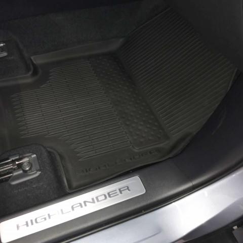 Килимки в салон для Toyota Highlander