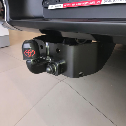 Фаркоп для Toyota Hilux