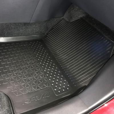 Комплект гумових килимів в салон МТ для RAV4